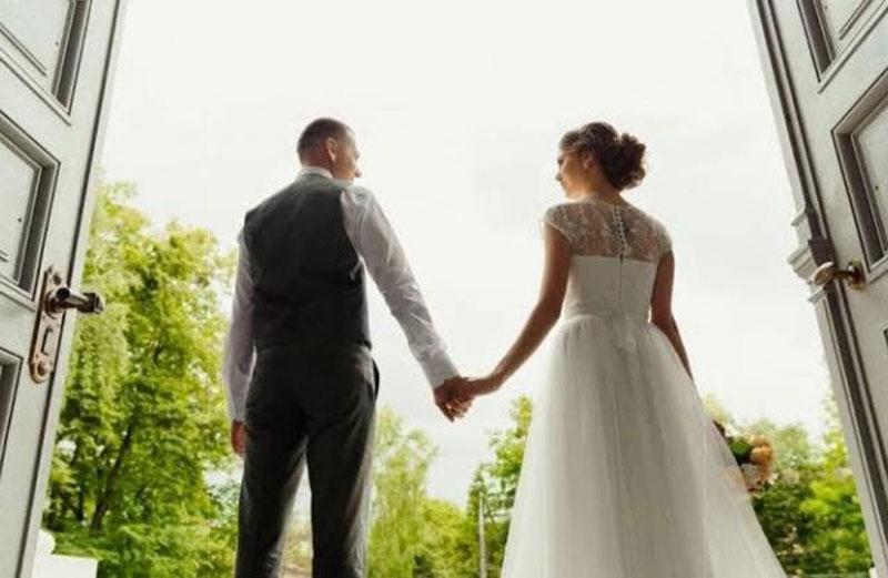 Rencanakan Pesta Pernikahan Tanpa Stres