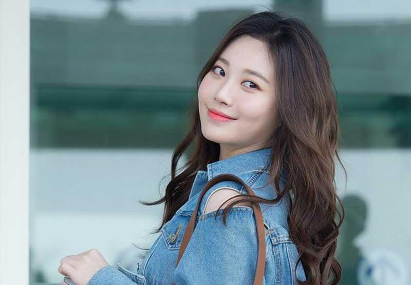 Yura Girls Day Pilih Agensi Park Seo Joon