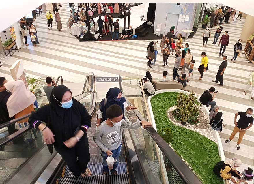 Libur Panjang, Masyarakat Padati Pusat Perbelanjaan