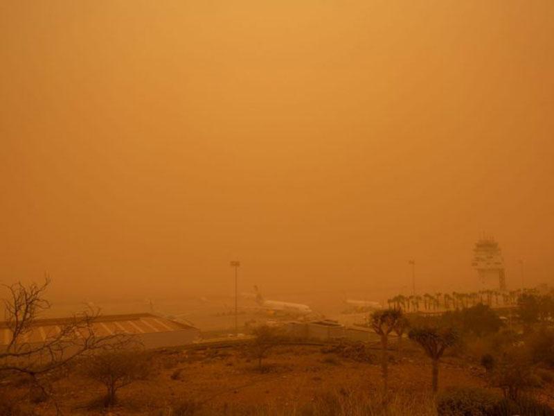 Badai Pasir Gurun Sahara Teror Turis di Kepulauan Canary