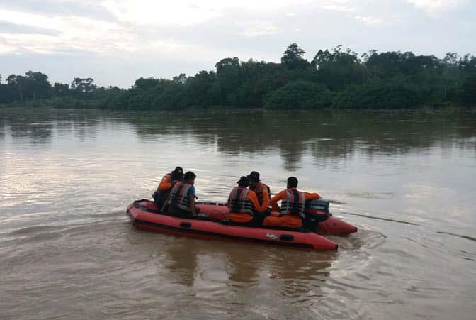 Sebelum Jatuh ke Sungai, Kepala Arifin Sempat Terbentur