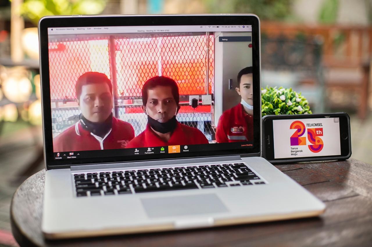 Telkomsel Berikan Bantuan ke 5.700 Penjaga BTS di Seluruh Indonesia