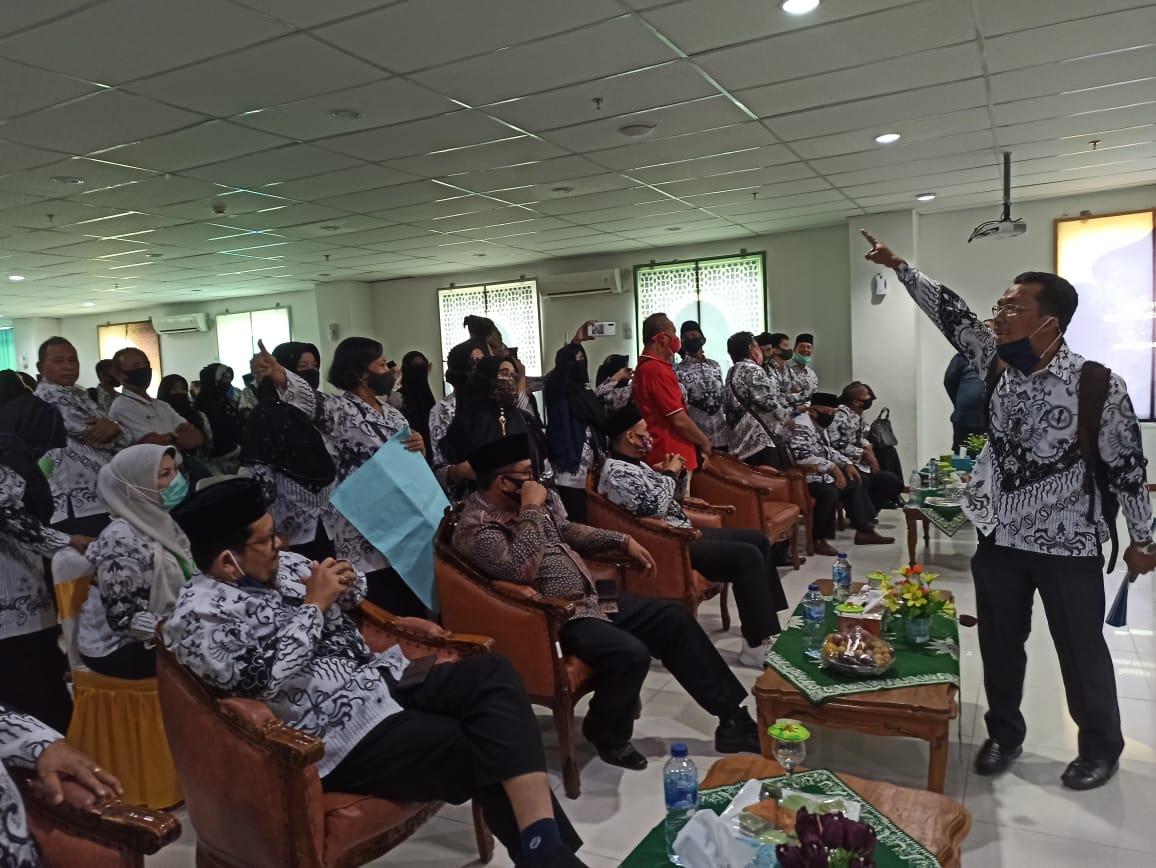 Kisruh Kepengurusan PGRI Pekanbaru Didalami DKGI Riau
