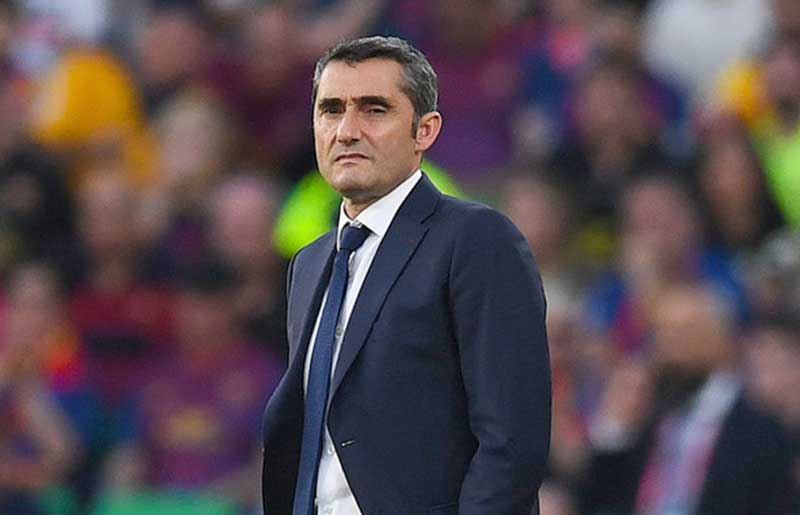 Valverde Bertahan di Barcelona