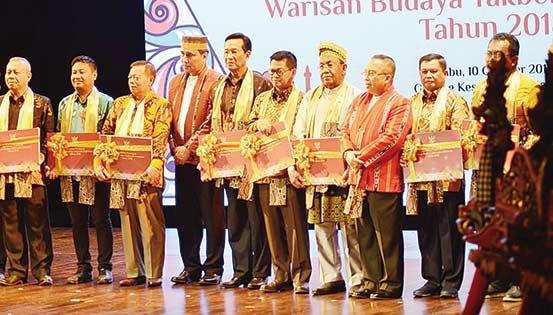 Riau Kaya Ragam Budaya