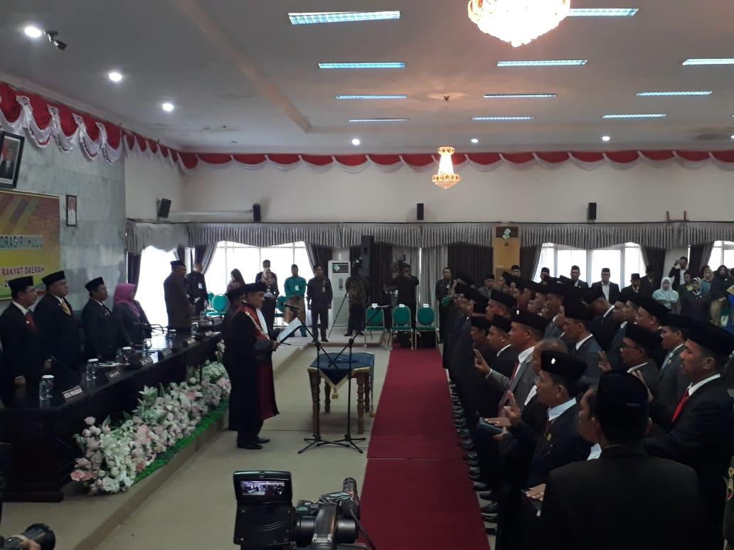 40 Anggota DPRD Inhu Sampaikan Sumpah