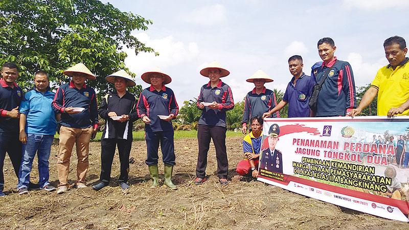 Warga Binaan Lapas Kelas IIA Bangkinang Asimilasi Bidang Pertanian