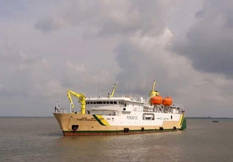 Dihantam Gelombang Enam Meter, Kapal Pelni Tujuan Anambas Putar Balik