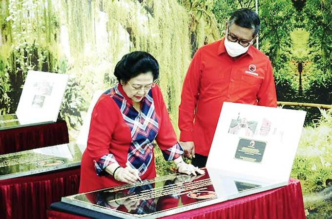Megawati Resmikan Kantor PDI-P di 25 Daerah