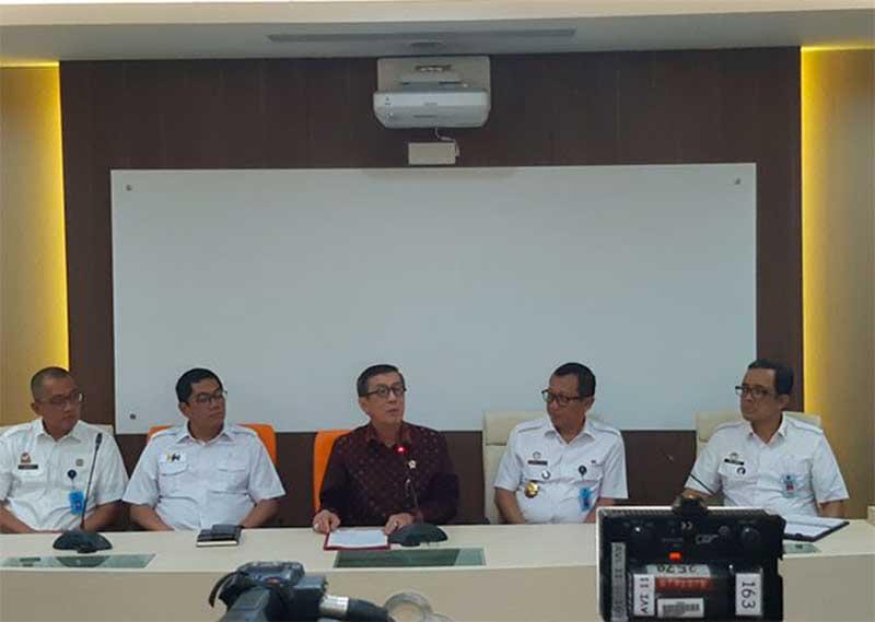 Desmon Nilai Lucu-lucuan Yasonna Ikut Konpres OTT PAW Politikus PDIP