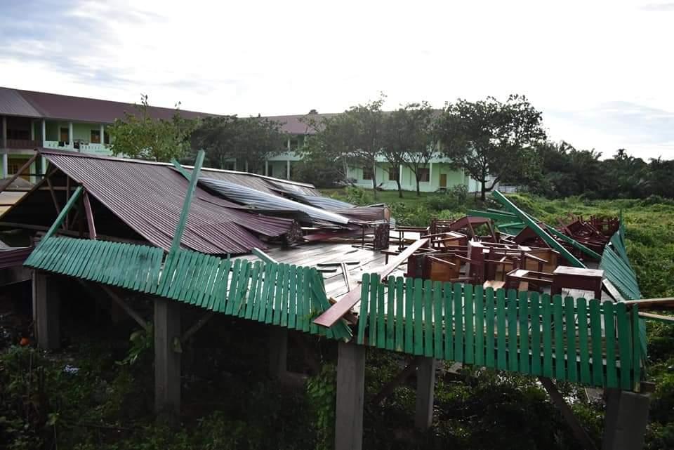 Di Rohul, Angin Kencang Disertai Hujan Rusak Puluhan Rumah