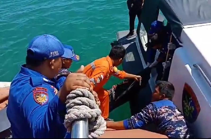 Satu Korban Meninggal Ditemukan Mengapung di Laut