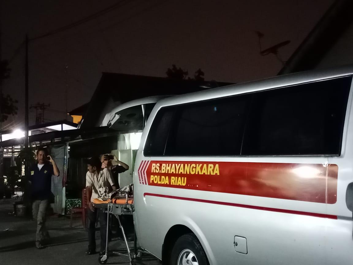 Tersengat Listrik saat Las Pagar Masjid, Warga Rumbai Meninggal