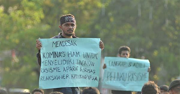 Massa di Depan Istana Merdeka Minta Jokowi Terbitkan Perppu Antirasisme