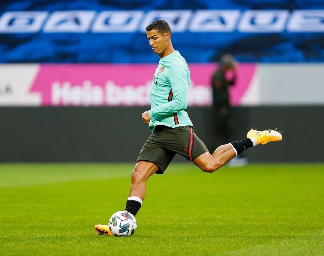 Gol ke-100 Ronaldo Bawa Portugal Bungkam Swedia