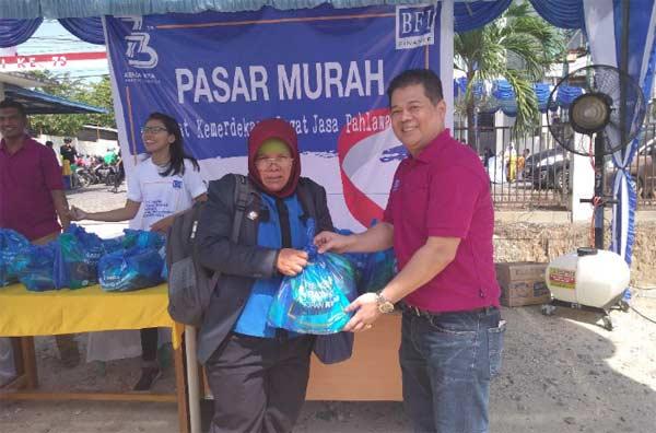Bazar Murah HUT RI BFI Finance Meriah