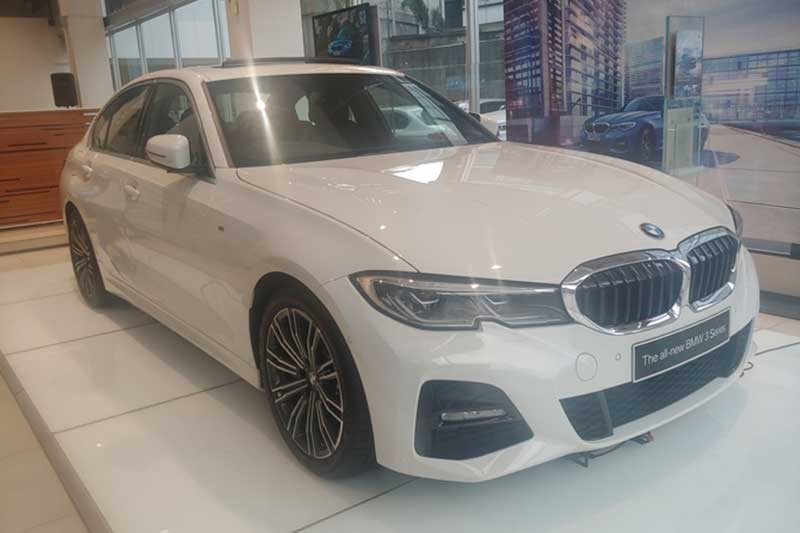 All New BMW 330i M Sport Mengaspal di Indonesia, Nih Spesifikasinya