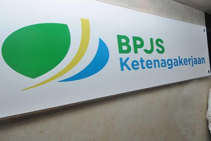 BPJS Ketenagakerjaan Kanwil Sumbarriau  Gelar Pasar Murah di Lima Titik