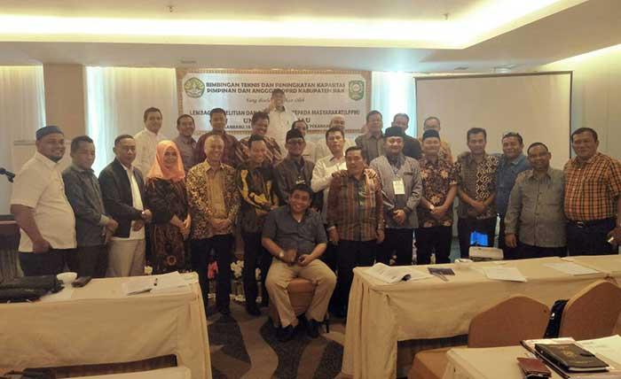 Anggota DPRD Siak Ikuti Bimtek dan Peningkatan Kapasitas