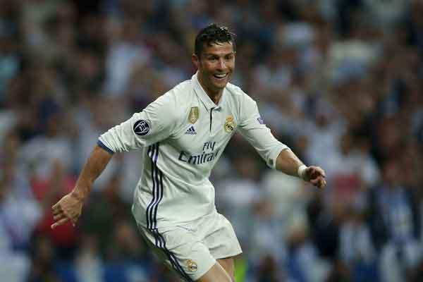 Jelang Final Liga Champions, Ronaldo Enggan Dibandingkan dengan Salah
