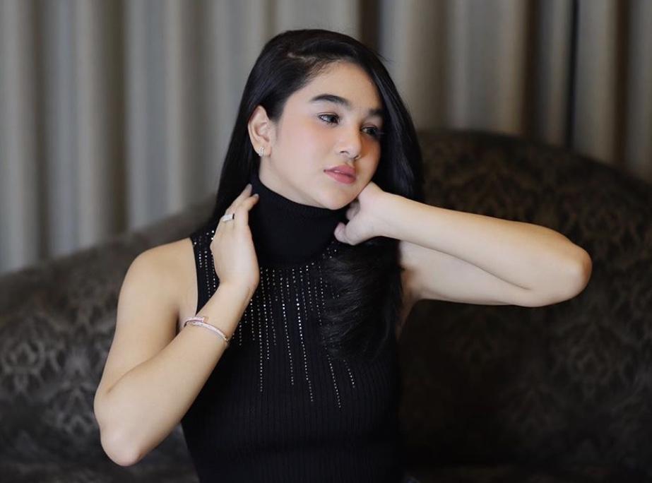 Ternyata, Hana Hanifah Sudah Setahun 'Jualan' Online