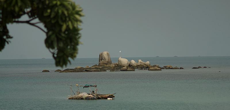 Pulau Batu Pantai Trikora