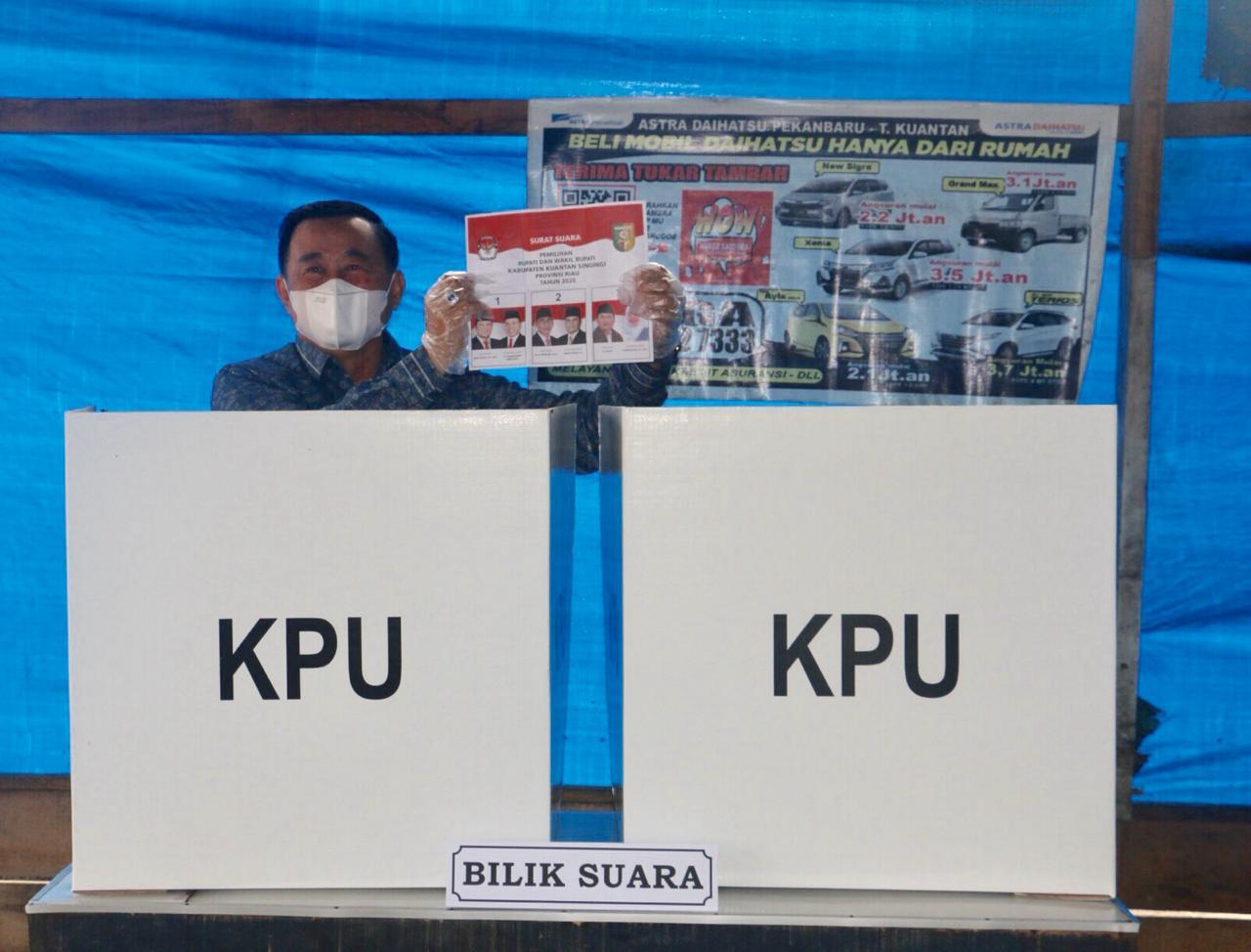 Nyoblos di TPS Berbeda, Halim-Komperensi Sampaikan Ucapan Terima Kasih