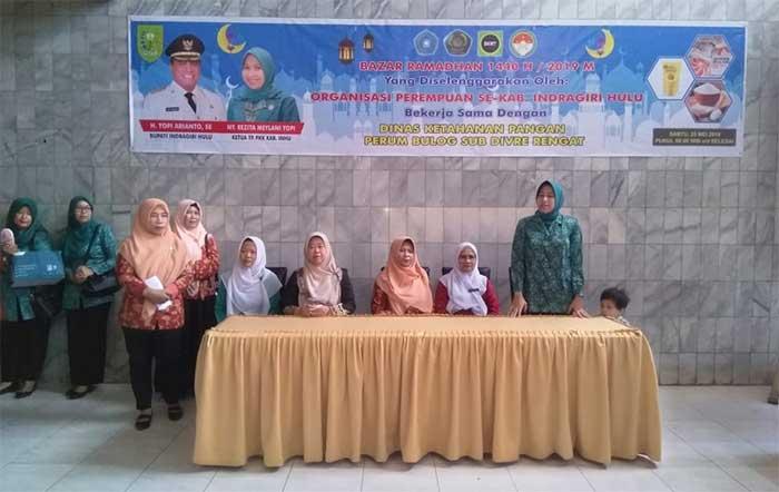 Organisasi Emak-emak Se-Inhu Gelar Bazar Ramadan