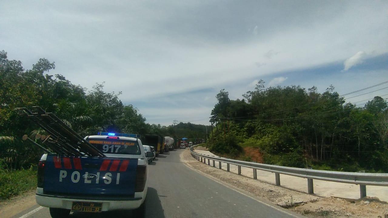 Perbaikan Jalan Amblas di Perbatasan Riau-Sumbar Ditargetkan 3 Hari
