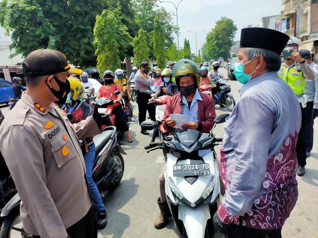 Pemantapan Kawasan Wajib Helm dan Masker di Perawang