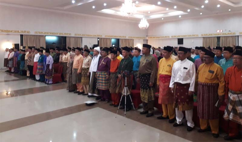 Tiga Penyair Melayu Baca Puisi di Depan Ratusan Pemuka Masyarakat Riau