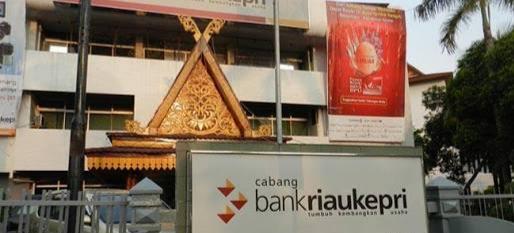 BRK Salurkan Bantuan Keuangan Provinsi Riau Kepada Warga Terdampak Covid-19
