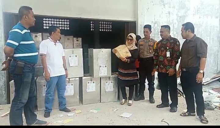 KPU Inhu Bongkar 849 Kotak Suara