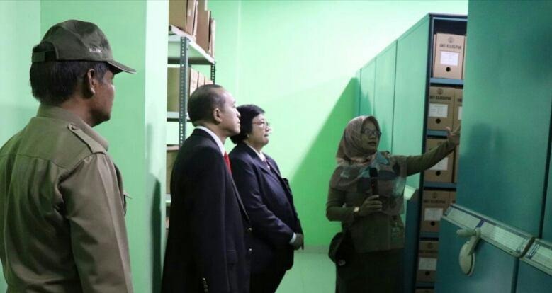 Menteri Siti Nurbaya Puji Kelengkapan Arsip, Data dan Komunikasi Publik KLHK