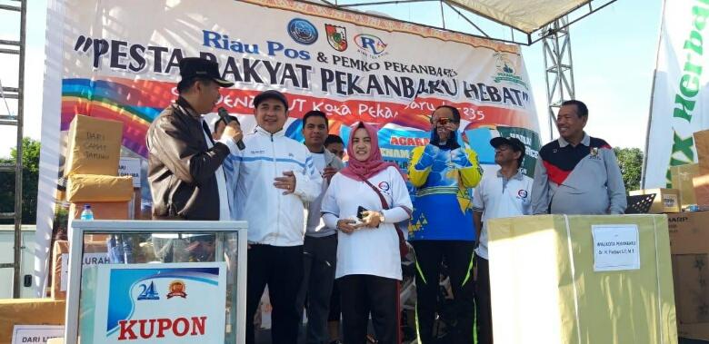 "Pesta Rakyat Pekanbaru Hebat ""Pecah"""