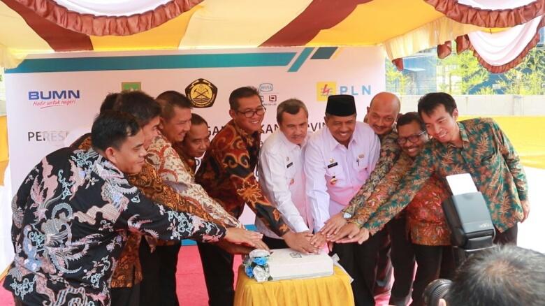 Gubri Resmikan Proyek Ketenagalistrikan Menuju Sumatera Hebat