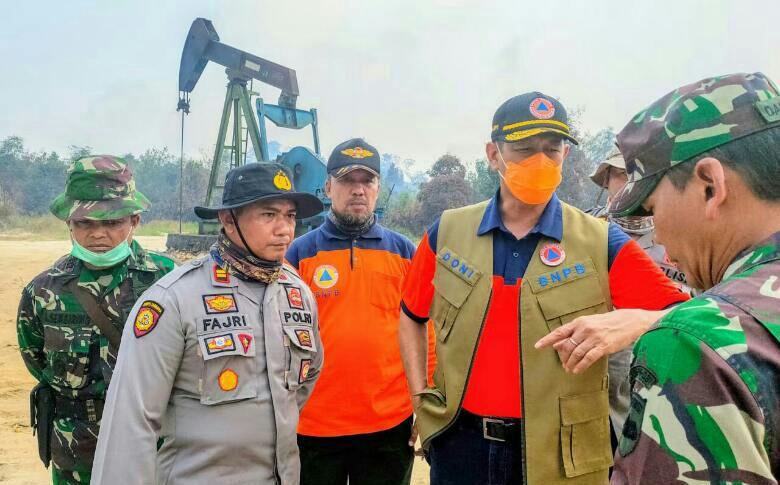 Jilatan Api Ancam Sumur Minyak Riau