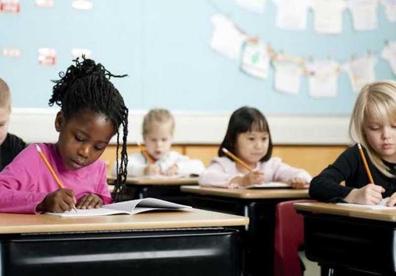 5 Alasan Pentingnya Anak Belajar Bahasa Inggris dan Matematika