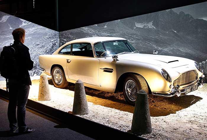 Mobil Canggih Punya James Bond Ini Segera Dilelang