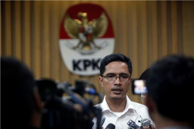 KPK Tahan Direktur PT Mitra Bungo Abadi Terkait Korupsi Jalan di Bengkalis