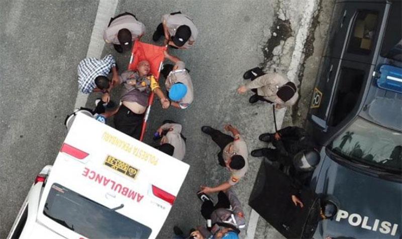 Terimpit saat Demo Ricuh, Kapolresta Pekanbaru dan Siswa Dilarikan ke RS