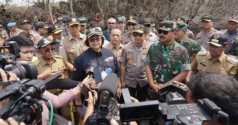 Menteri LHK Bersama Panglima TNI, Kapolri dan BNPB Tinjau Langsung Penanganan Karhutla di Riau