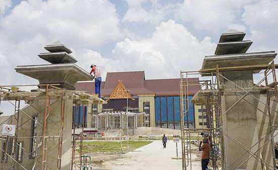 Fitra Soroti Pengerjaan Gedung Mapolda Riau
