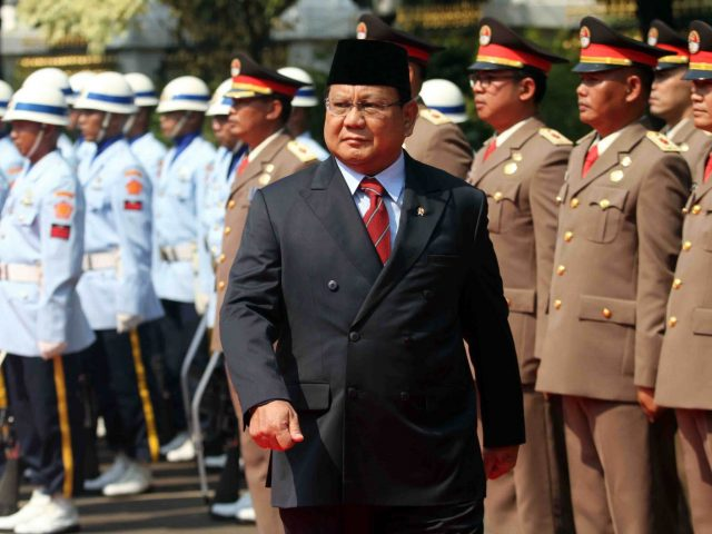 Peringati Hari Pahlawan, Prabowo Resmikan Patung Jenderal Soedirman