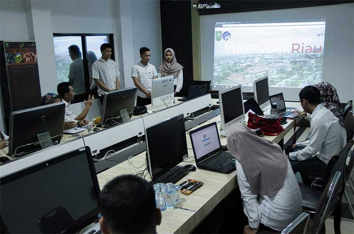 Mahasiswa PCR Buat Web Info Publik Diskominfo Riau