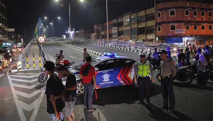 Pasca Tawuran, Polresta Pekanbaru dan Kodim Siaga di Jembatan Siak IV