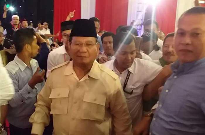 Prabowo Sebut Ahmad Dhani sebagai Pahlawan