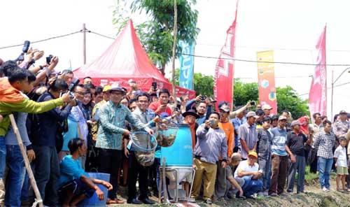 Telkomsel Gandeng eFishery dan Japfa Hadirkan Kampung Perikanan Digital Di Indramayu