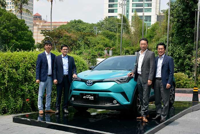 Toyota Pasarkan C-HR Hybrid Electrified Vehicle