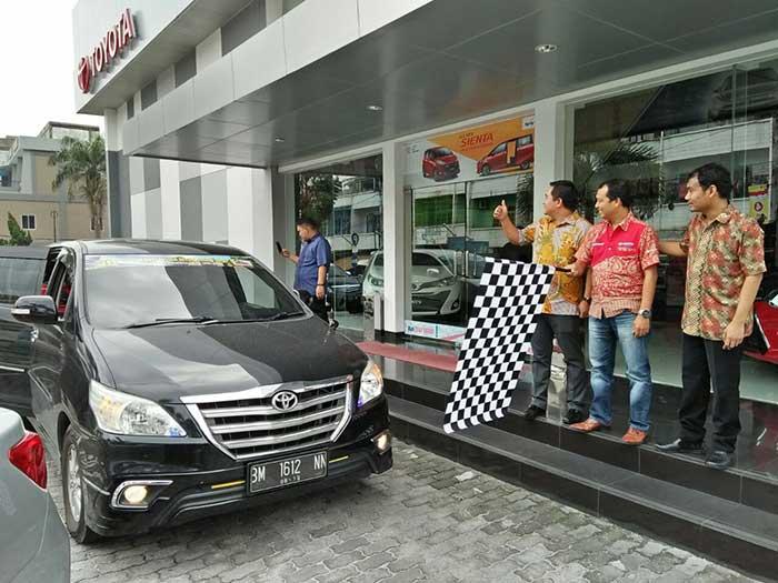 Kopdar ke Jambi, Agung Toyota Lepas Keberangkatan Komunitas Innova Riau